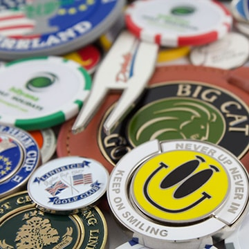 image of golf poker chips and divot tools
